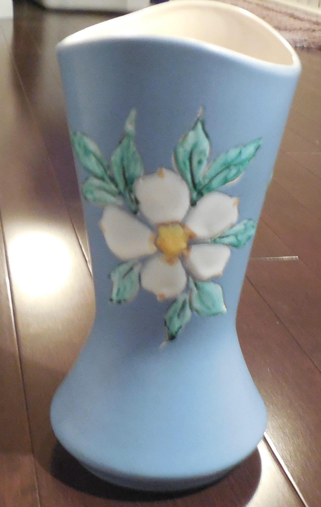 Herta Dogwood blue vase side 1