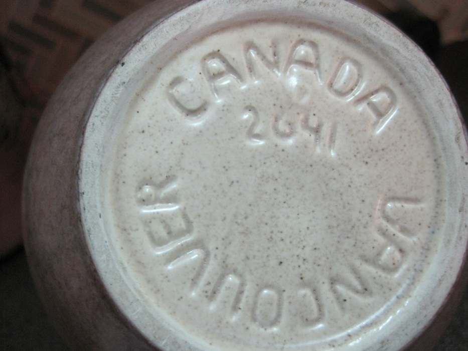 BC Ceramics mark - Lynne